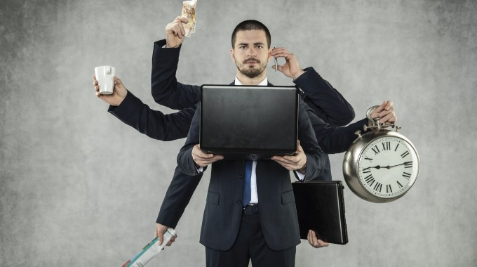 Миф №2: в Телетрейд можно быстро получить руководящую должность, много рук